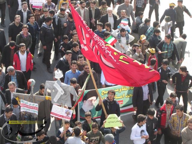 حضور اعضای جلسه قرآن جوانان مسجد امام سجاد دزفول در راهپیمایی 22بهمن
